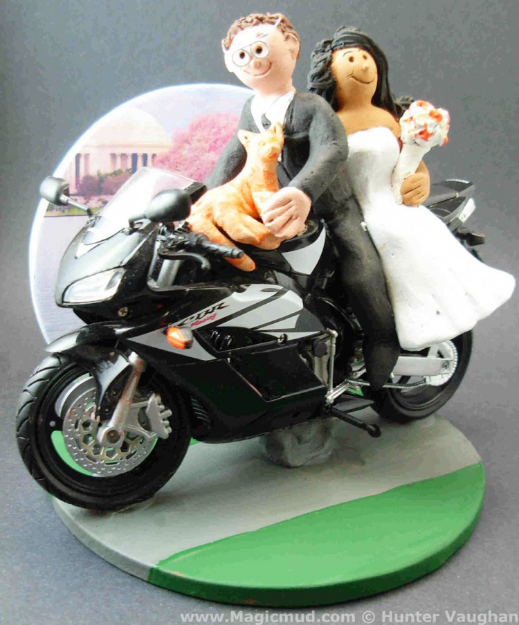 Sportbike Motorcycle Wedding Cake Topper Picture in Wedding Cake