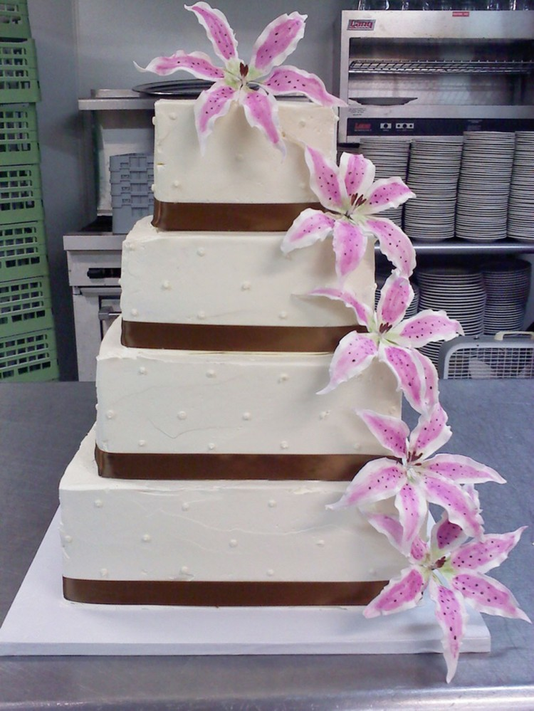Square Stargazer Lily Wedding Cakes Picture in Wedding Cake