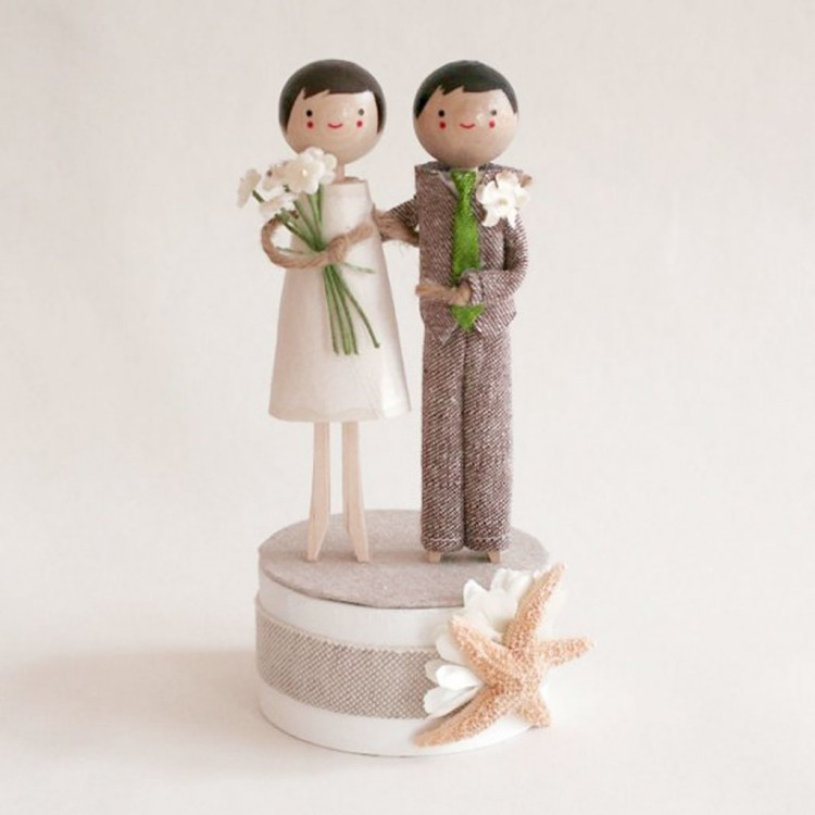 Starfish Beachside Wedding Cake Topper Picture in Wedding Cake