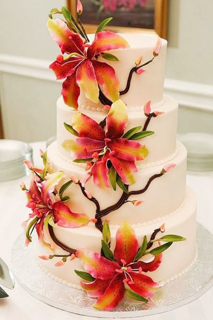 Stargazer Lily Wedding Cake Picture in Wedding Cake