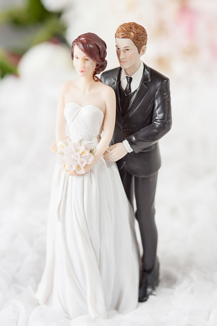 Stylish Contemporary Mix And Match Wedding Cake Topper Picture in Wedding Cake