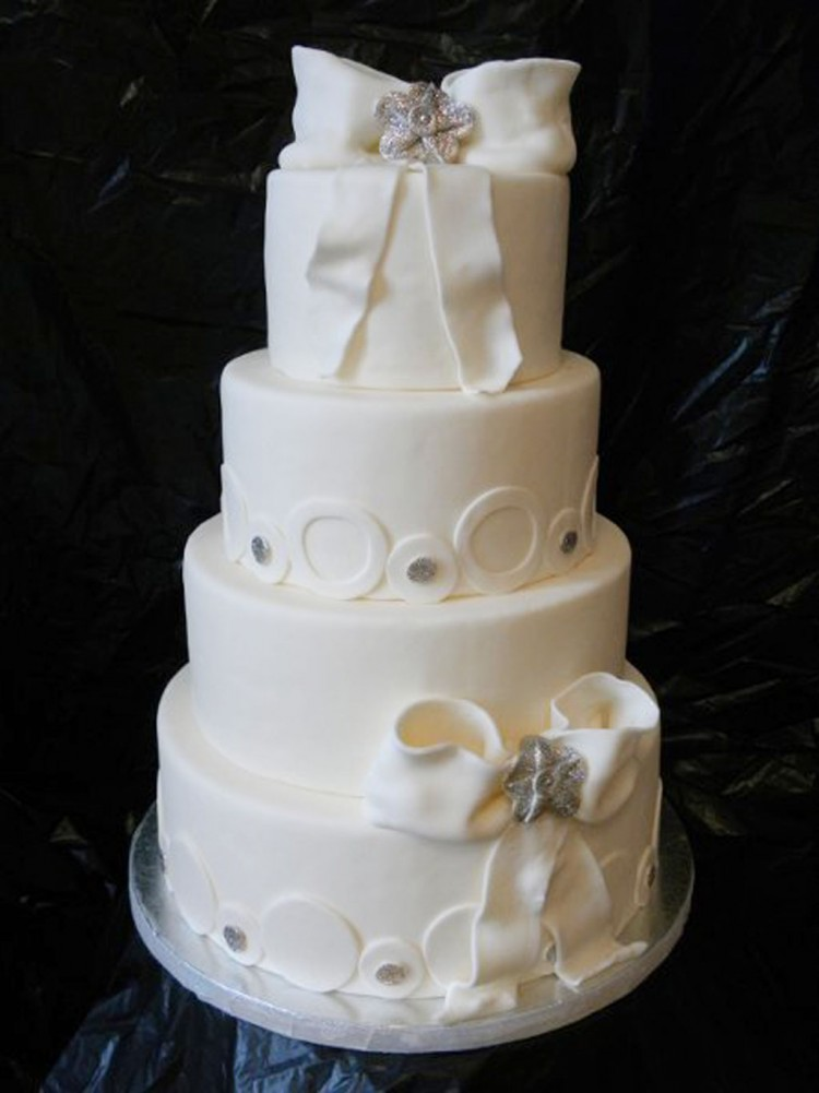 Sweet Divine St Louis Wedding Cakes Picture in Wedding Cake