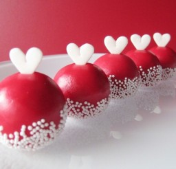 1024x799px Sweet Valentine Cake Balls Picture in Valentine Cakes