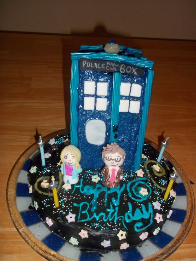 Tardis Birthday Cake Picture in Birthday Cake