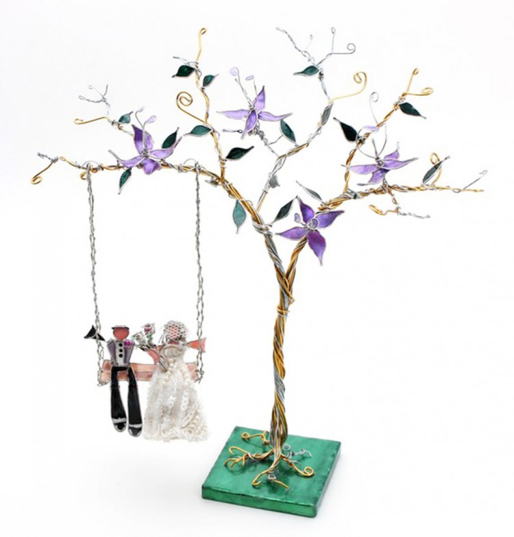 The Tree Swing Custom Wedding Cake Topper Picture in Wedding Cake
