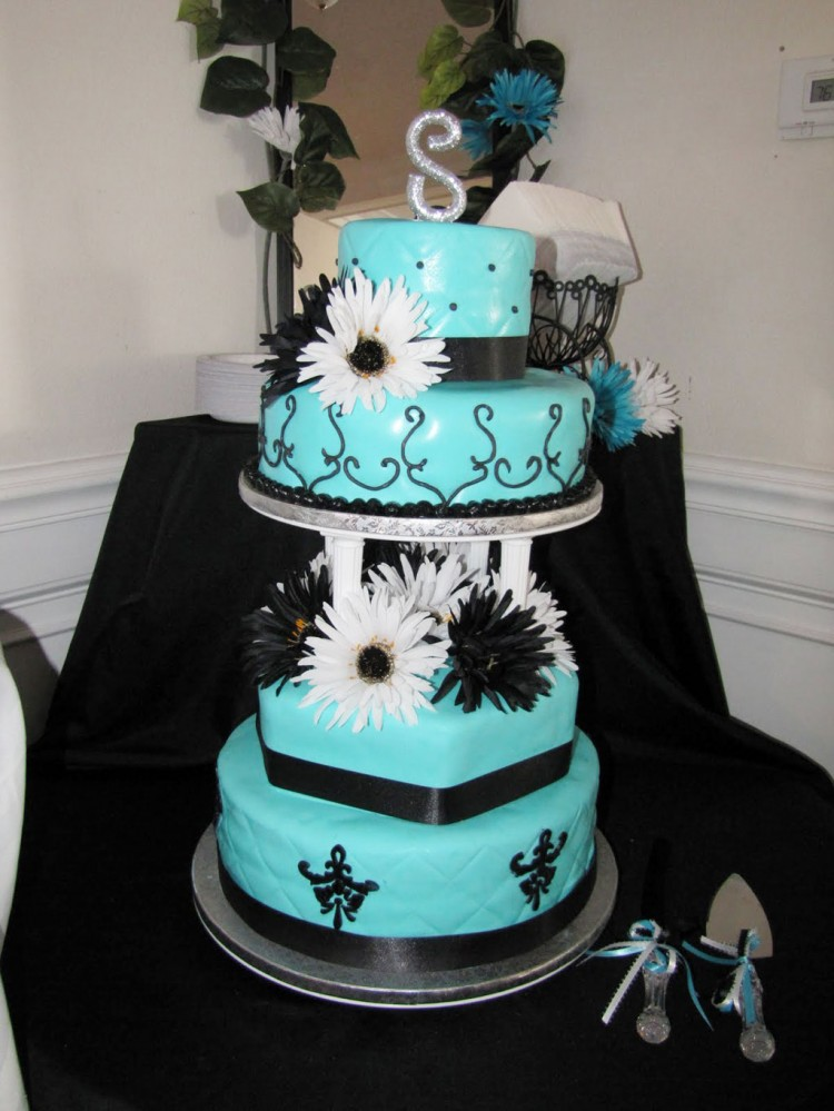 Tiffany Blue And Black Wedding Cake Picture in Wedding Cake