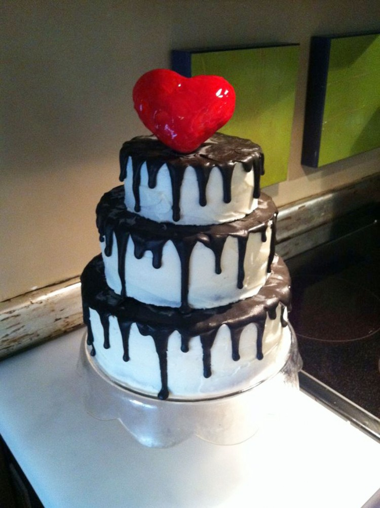 Tim Burton Wedding Cakes Design 1 Picture in Wedding Cake