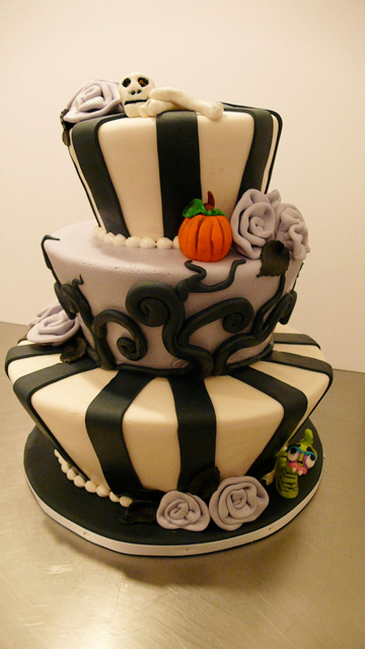 Tim Burton Wedding Cakes Design 4 Picture in Wedding Cake