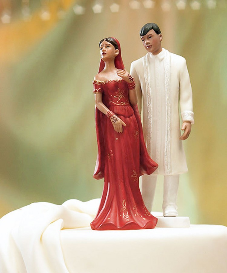 Traditional Indian Wedding Star Cake Topper Picture in Wedding Cake