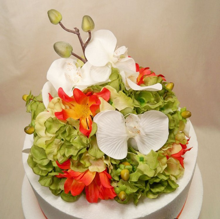 Tropical Wedding Cake Topper Green Hydrangea Picture in Wedding Cake