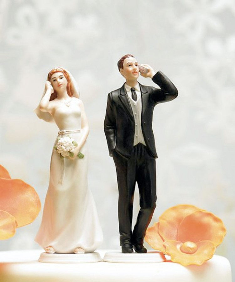 Unusual Wedding Cake Toppers Appeal Picture in Wedding Cake