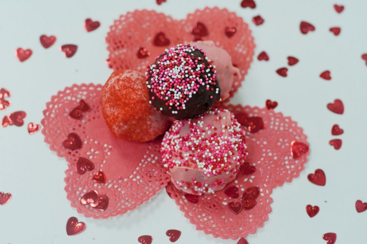 Valentine's Day Cocktails And Cake Balls Picture in Valentine Cakes
