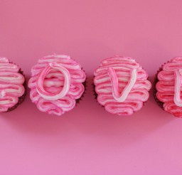 1024x682px Valentine's Day Swirled Pink Cupcakes Picture in Valentine Cakes