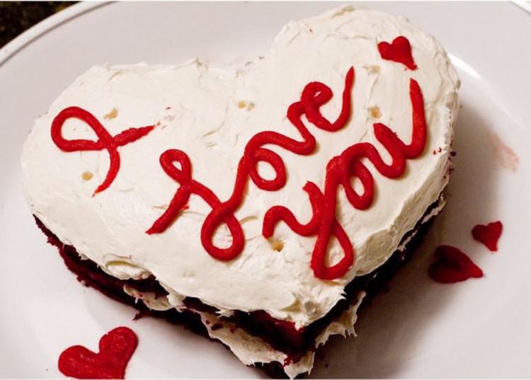 Valentine Red Velvet Cake Photo Picture in Valentine Cakes