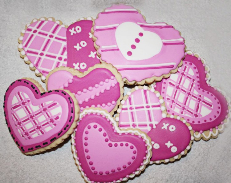 Valentines Day Cookie Class Picture in Valentine Cakes