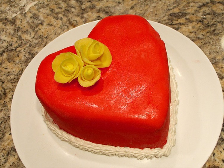 Valentines Heart Cake Picture in Valentine Cakes