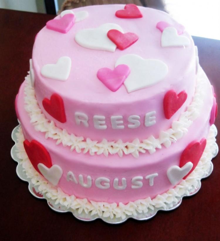 Valentines Theme Birthday Cake Picture in Birthday Cake
