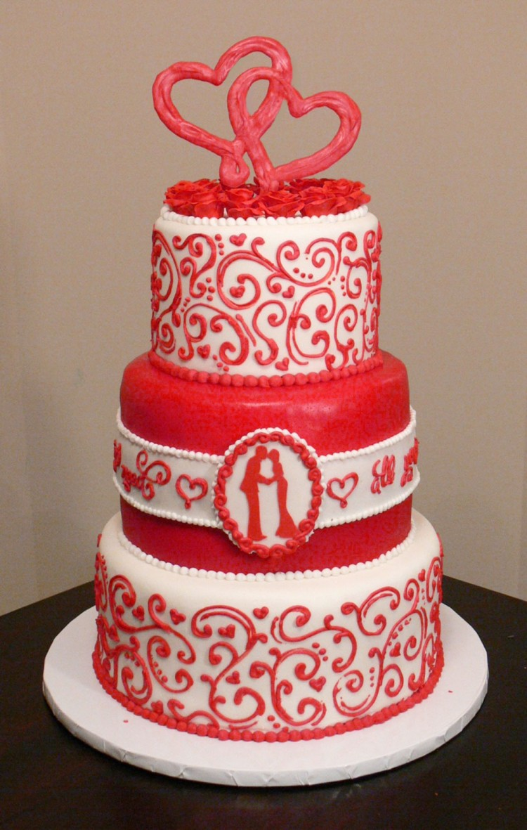 Valentines Wedding Cake Picture in Wedding Cake