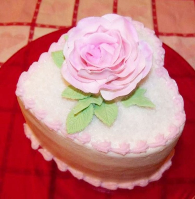 Valentines Heart Cake With Light Rose Topper Picture in Valentine Cakes