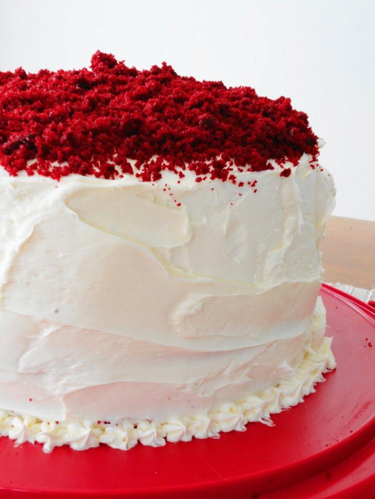 Vanilla Bean Red Velvet Valentine Cake Picture in Valentine Cakes