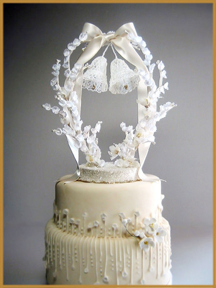 Vintage Wedding Bells Cakes Topper Picture in Wedding Cake
