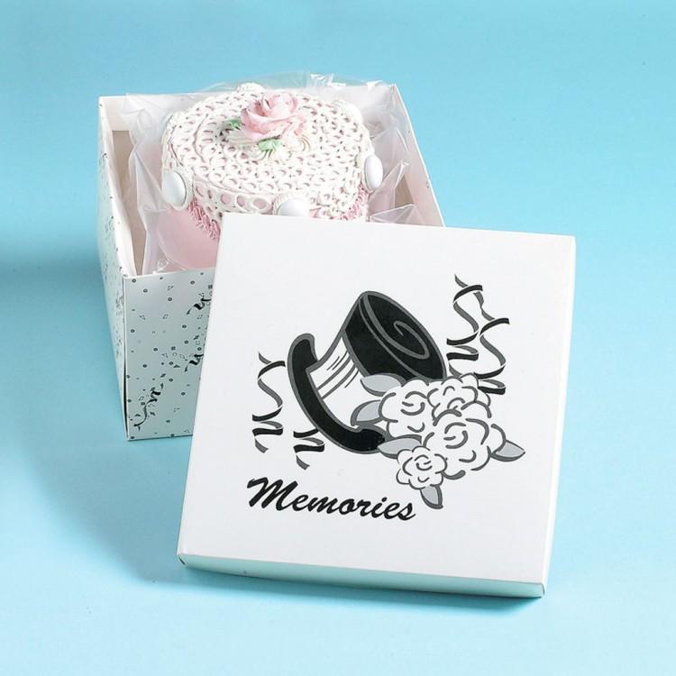 Wedding Cake Saver Box Picture in Wedding Cake