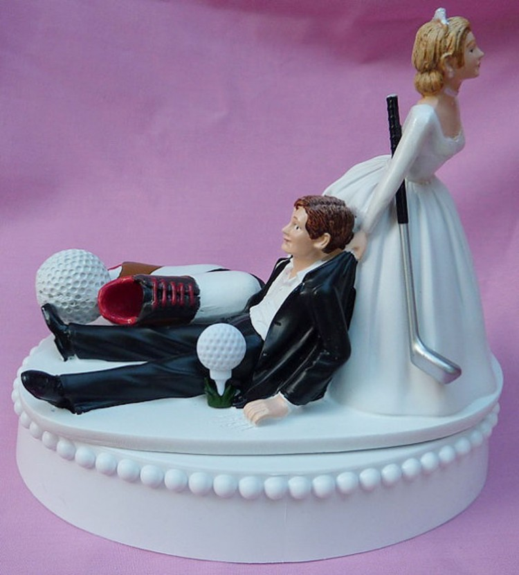 Wedding Cake Topper Fan Golfing Groom Picture in Wedding Cake