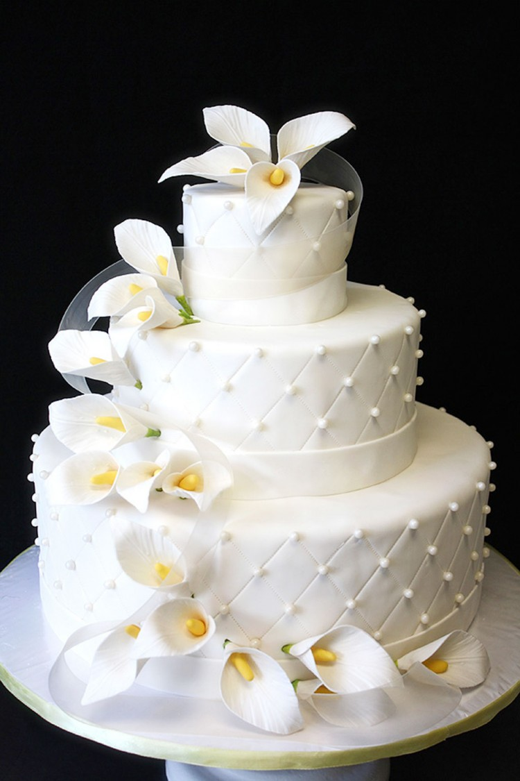 Wedding Cake With Calla Lilies Picture in Wedding Cake