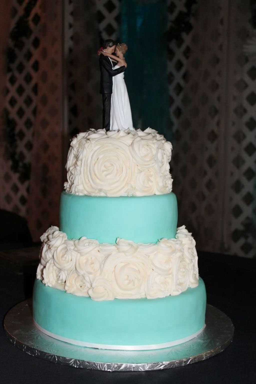 popular wedding cake fillings wedding cake with strawberry filling wedding cake cake 18687