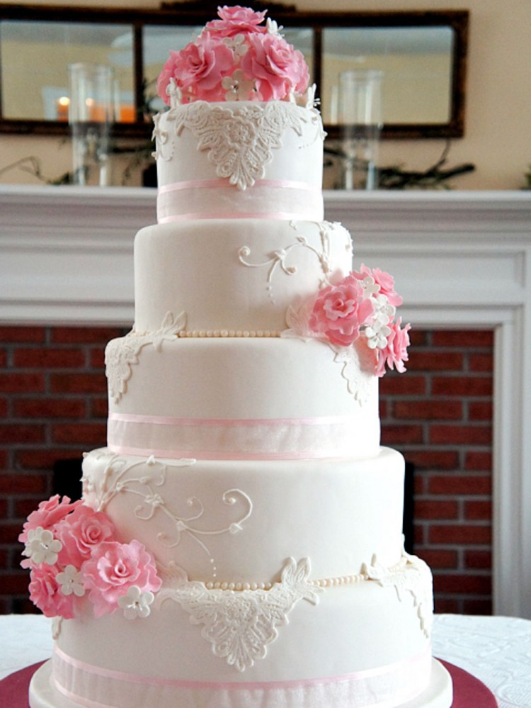 Wedding Cakes Rhode Island Pink Flower Picture in Wedding Cake