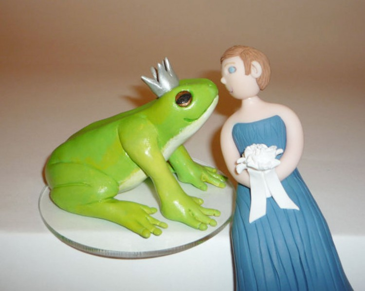 Wedding Cake Topper Frog Prince And Bride 2 Picture in Wedding Cake