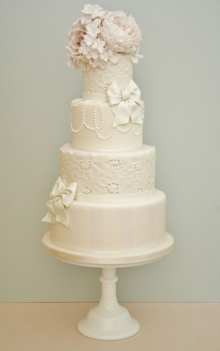 Whimsical Wedding Cake Design Picture in Wedding Cake
