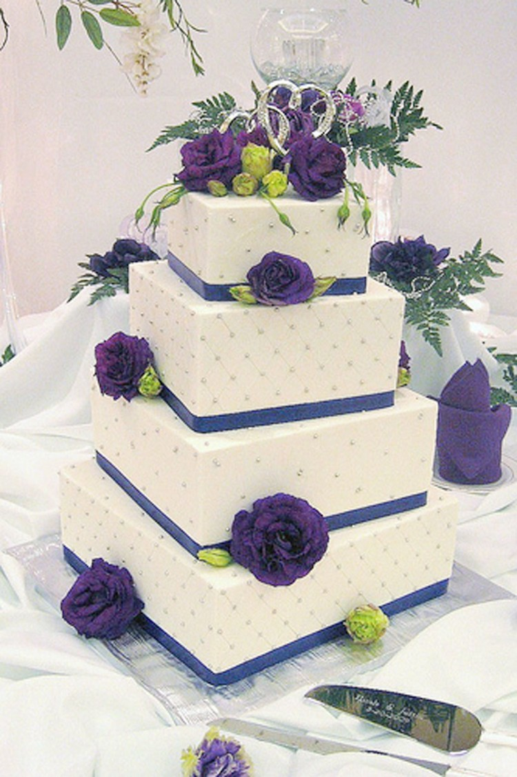 White And Purple Lavencer Wedding Cake Picture in Wedding Cake