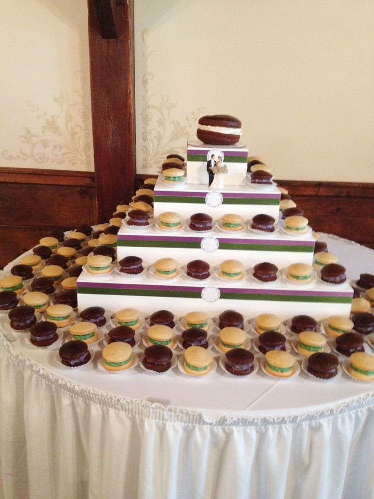 Whoopie Pie Wedding Cake Picture in Wedding Cake