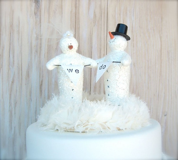 Winter Wedding Cake Toppers Picture in Wedding Cake