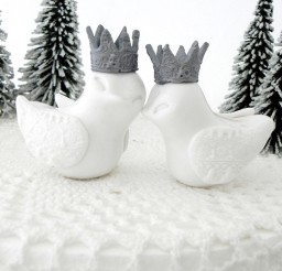 1024x1024px Winter Wedding White Love Birds Cake Topper Picture in Wedding Cake