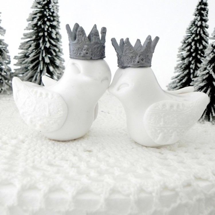 Winter Wedding White Love Birds Cake Topper Picture in Wedding Cake