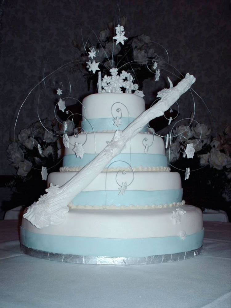 Winter Wonderland Wedding Cake Photo Picture in Wedding Cake