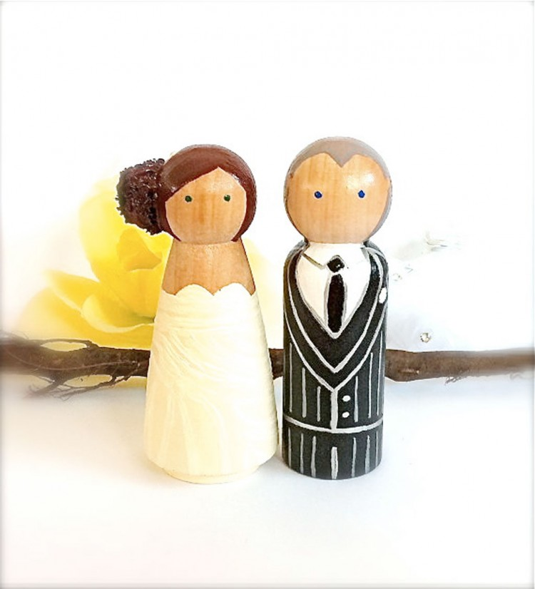 Wooden Wedding Cake Toppers 3 Picture in Wedding Cake