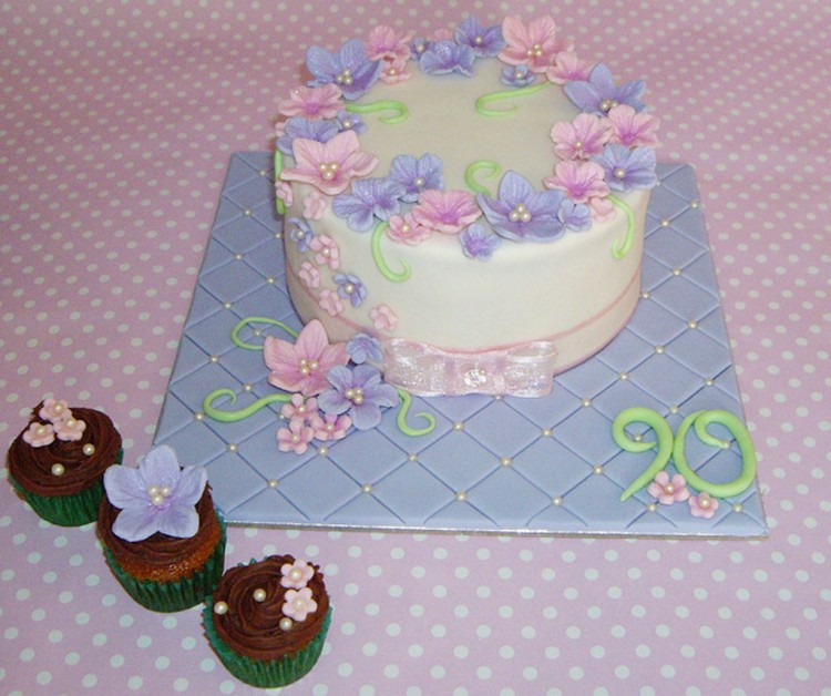 Beauty 90th Birthday Cakes Picture in Birthday Cake