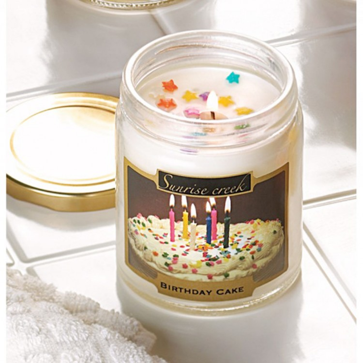 Birthday Cake Scent Candle Picture in Birthday Cake