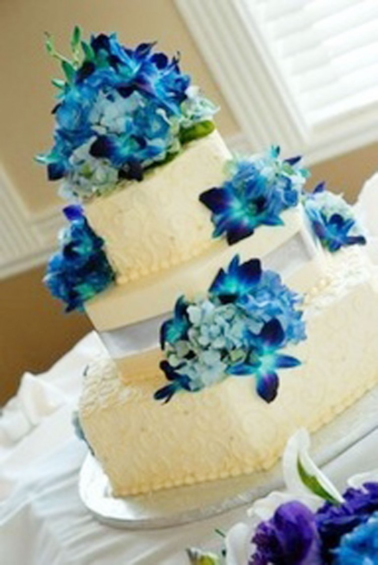 Blue Orchids Wedding Cake Ideas Picture in Wedding Cake