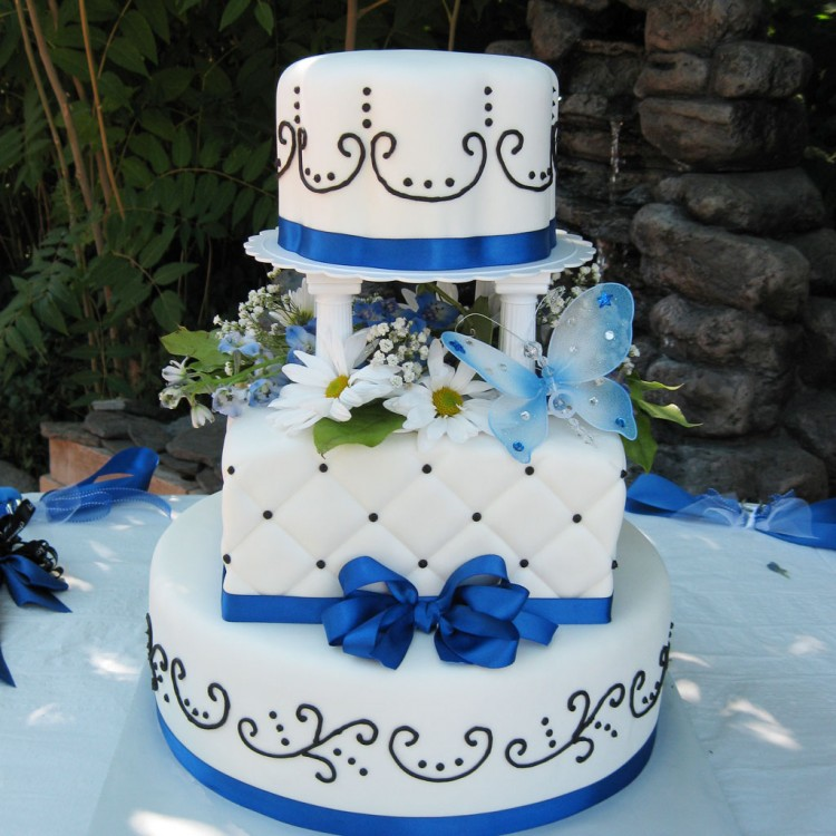 Blue Ribbon Salt Lake Wedding Cake Picture in Wedding Cake