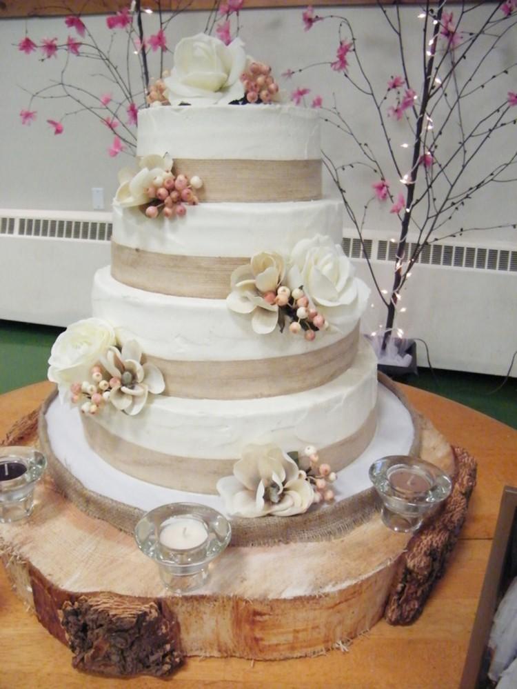Burlap Ribbon Wedding Cake Picture in Wedding Cake