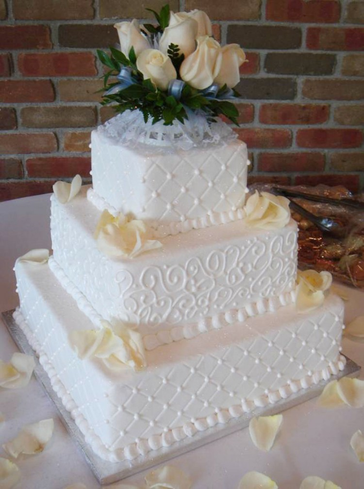 wedding cake with buttercream icing buttercream icing wedding cakes wedding cake cake ideas 26844