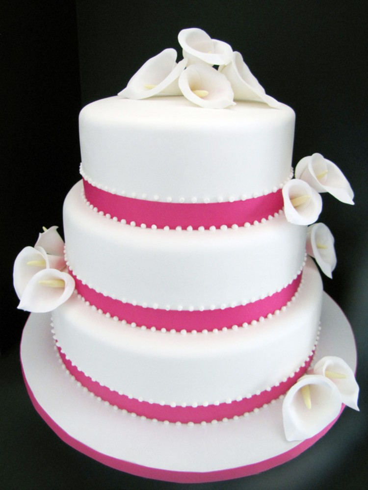 Calla Lily Wedding Cake Picture in Wedding Cake
