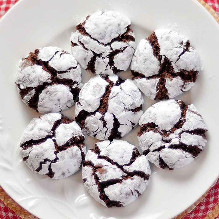Chocolate Crinkle Cookies Picture in Chocolate Cake