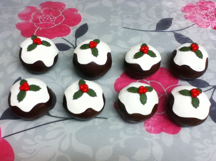 Chocolate Mini Christmas Cakes Picture in Chocolate Cake