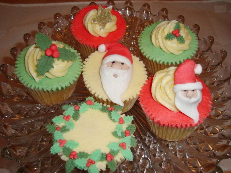 Christmas Cupcake Wedding Cakes Picture in Wedding Cake