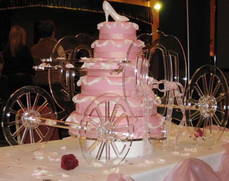 Cinderella Wedding Cake Jewels Picture in Wedding Cake